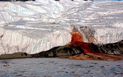 El glaciar que sangra